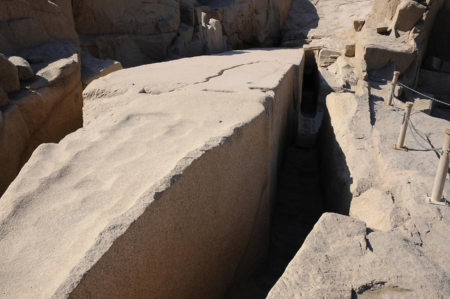 Aswan - Granite Quarry; Uncompleted Obelisk