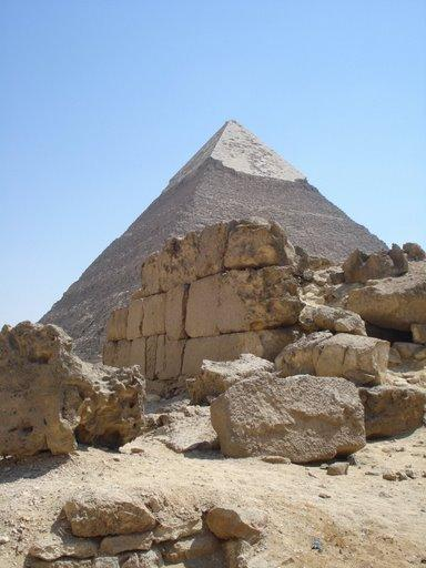Pyramid of Khafre (2)