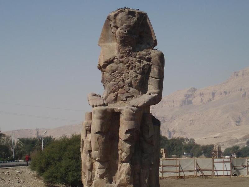 Statue of Amenhotep III (2)