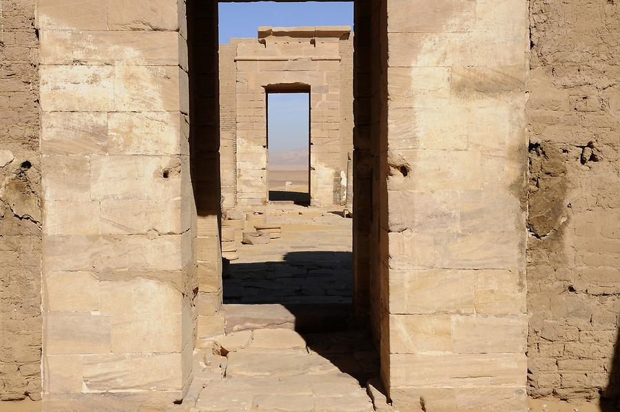 Dush - Fortress; Temple of Isis