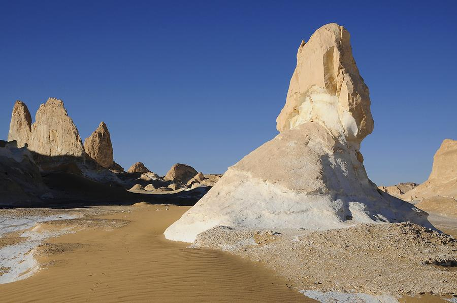 White Desert - Rock Formations