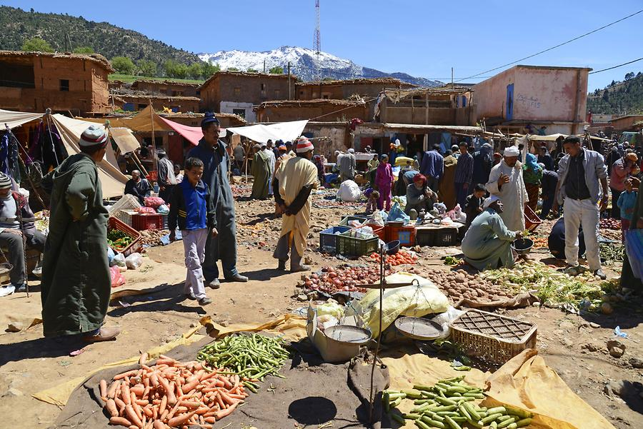 Weekly Market near Aït M'hamed