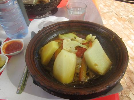 Beef tajine, a North African Berber dish which is named after the earthenware pot in which it is cooked, Photo: © K. Wasmeyer 2016
