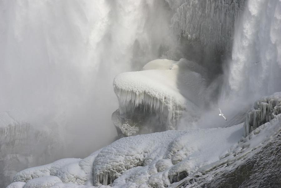 Niagara Falls at winter, Photo: Evgueni Strok