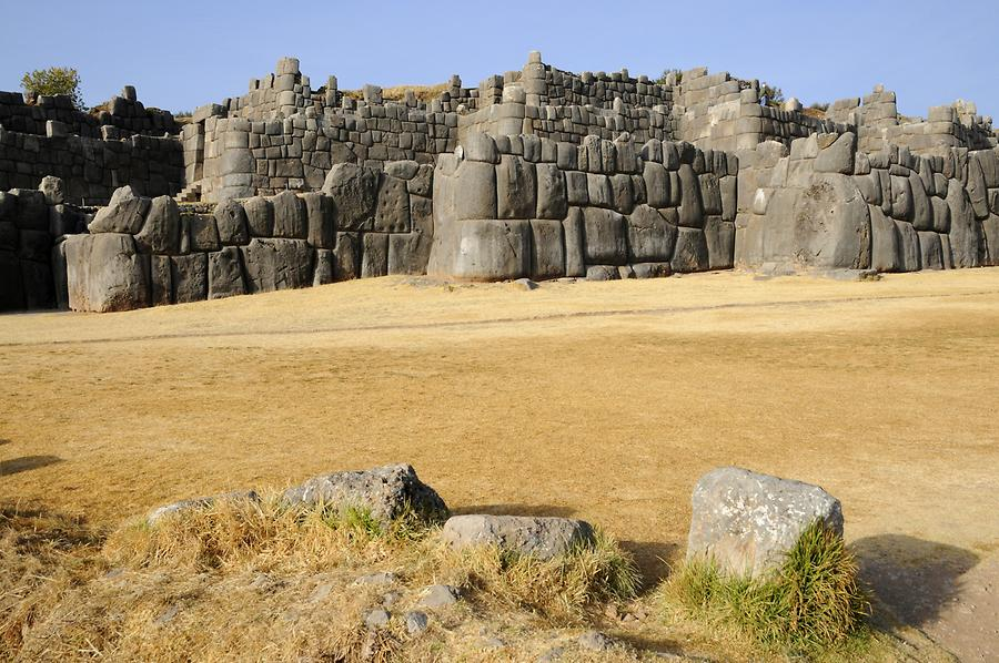 Sacsayhuamán - Fortification Wall