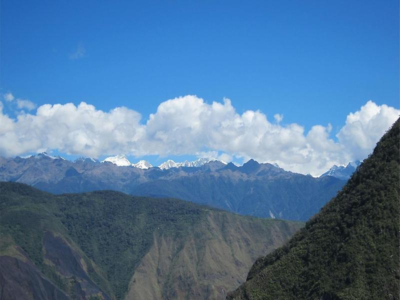 Andes viewed from Intipunku