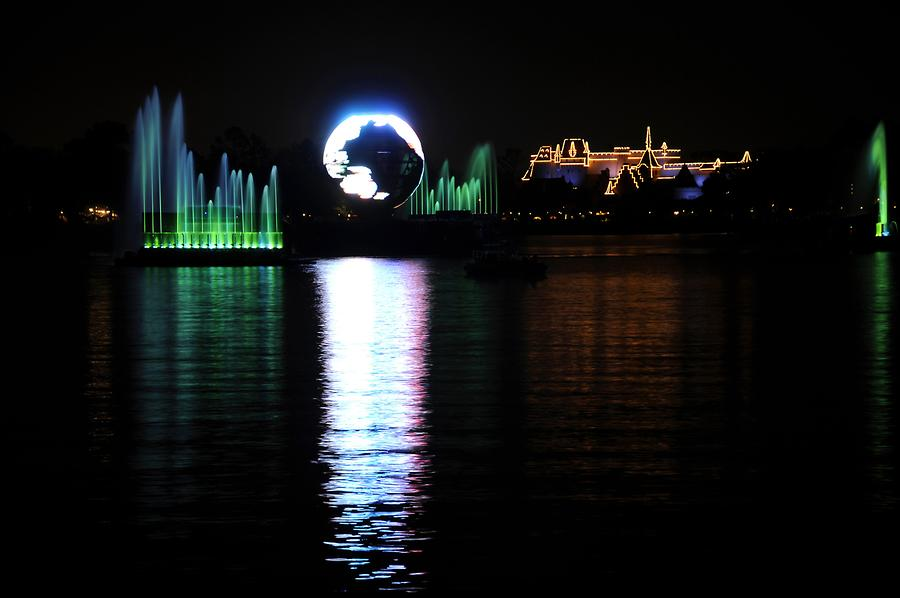 Epcot - llumiNations: Reflections of Earth