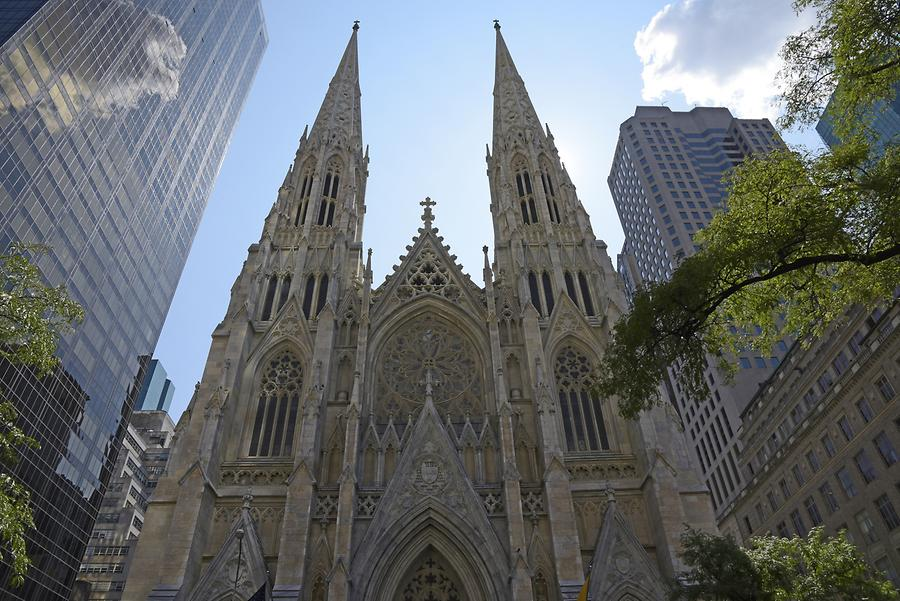 Fifth Avenue - St. Patrick's Cathedral