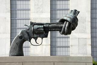 Headquarters of the United Nations - 'The Knotted Gun'