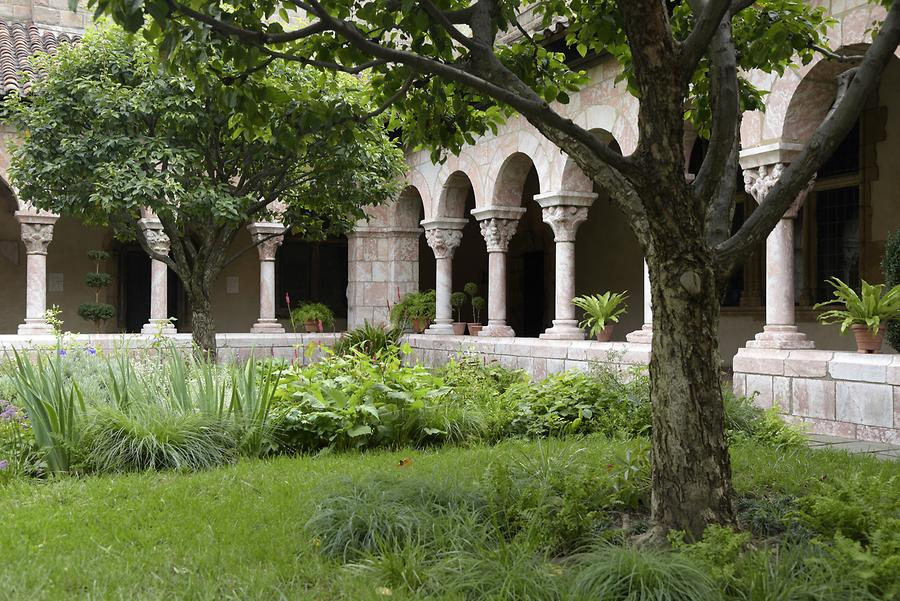 The Cloisters (MET) - Cloister