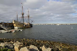 Plymouth - Mayflower II (1)