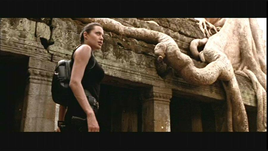 Angelina Jolie in Lara Croft - Tomb Raider — 2001