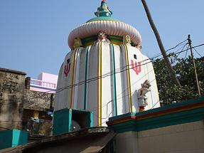 Puri - Roadside Temple (2)