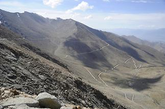 Crossing the Khardung Pass
