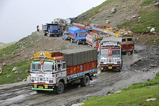 Rohtang Pass - Dirt Road (1)