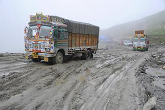 Rohtang Pass - Dirt Road (2)