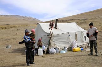 Nomads near Song Kul