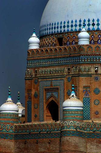 Shah_Rukhn-i-Alam Multan in Multan, Photo: Steve Evans, 2005, Wikicommons