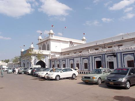 Hyderabad Railway Station, Photo: Saqib Qayyum, from Wikicommons