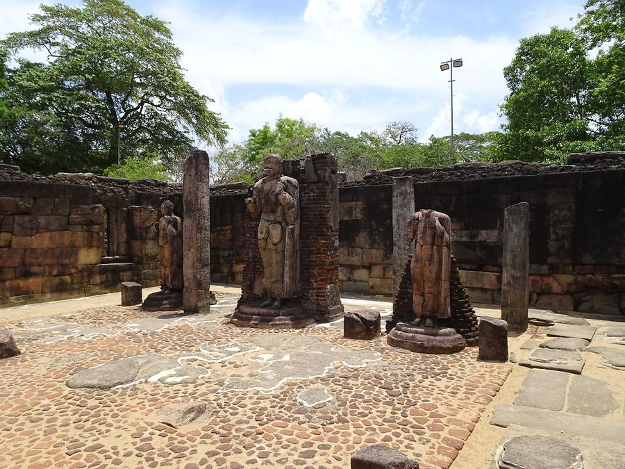 Polonnaruwa - Ancient Royal City; Hatadage