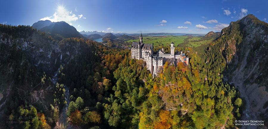 Neuschwanstein Castle in Autumn, © AirPano