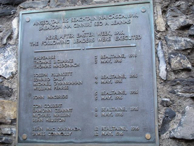 Plaque with names