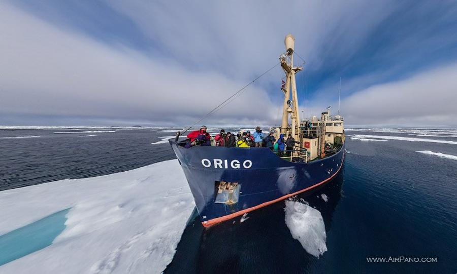 Expedition ship M/S Origo
