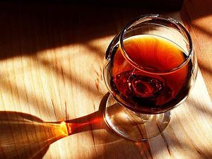 Port wine, Photo: Jon Sullivan under CC taken from Wikimedia commons