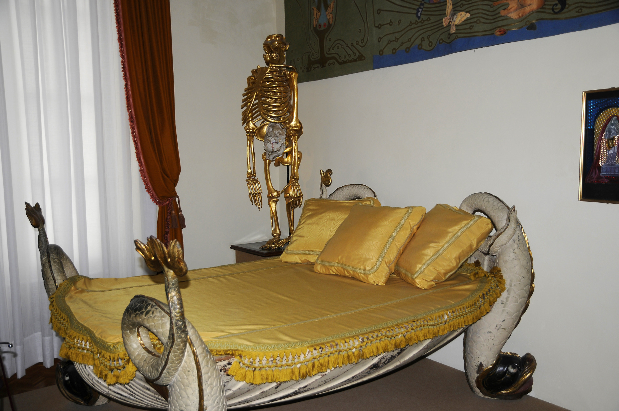 Figueres   Dalí Theatre And Museum; Bed