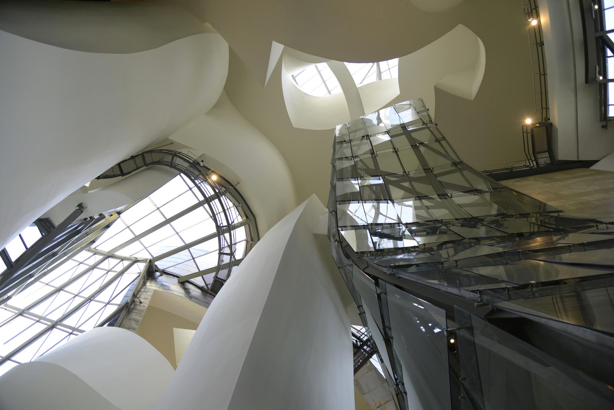 Guggenheim Museum Inside (2) | Guggenheim Museum Bilbao ...  Guggenheim Inside