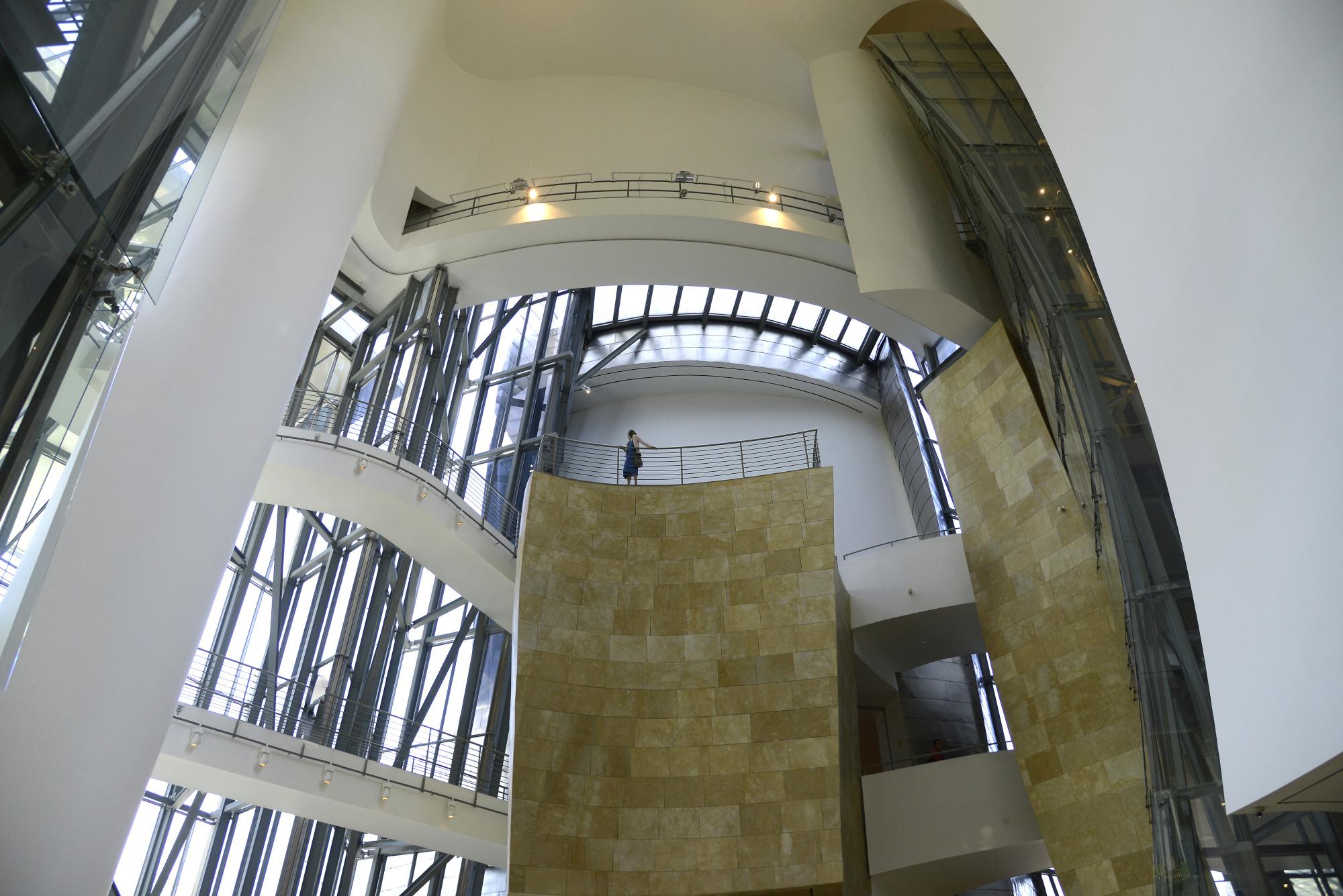 Guggenheim Museum Inside (3) | Guggenheim Museum Bilbao ...  Guggenheim Inside