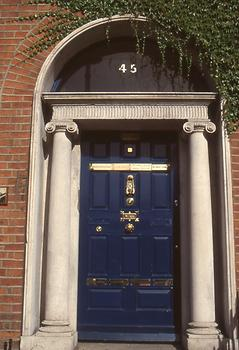 darkblue door