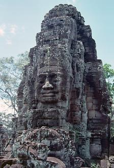 The Bayon Temple has 54 towers, each with four head representations of the Jayavarman VII. The central tower reaches a height of over 42 meters.
