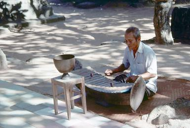 A marimba-like instrument in Ta Keo.