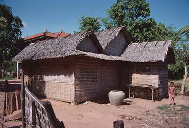 Cabins in the nearby village of Ta Keo.