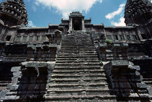 View over one of the extremely steep stairs up to the main temple.