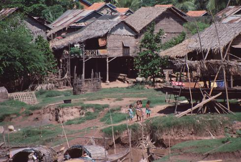 Huts on a small river near Ta Keo