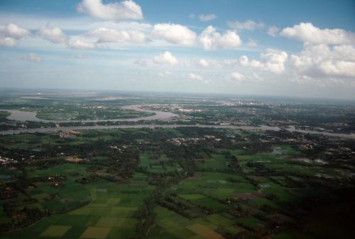 Meandering water arms at the delta of the Mekongg