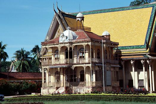 The house of prince Sihanouk in front of the royal palace buildings, a cast iron prefabricated house from France dating back to the midde of the 19th century.