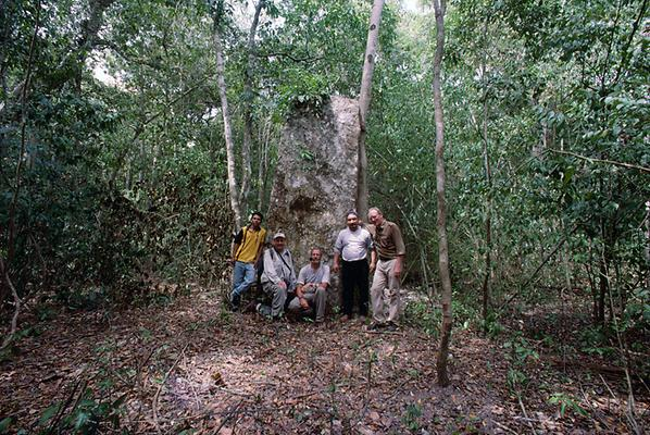 Ramon Martinez from the vicinity of Xpujil, Jack Sulak from the USA, Stephan Merk from Germany, Jack´s driver and the author (from left to right) in front of one of the many steles in La Muñeca.