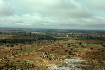 Seen from the top, the landscape around Sravana Belgola is mostly uninhabited