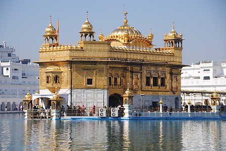 The Golden Temple of Amritsar – Gurdwara as Gateway to the Guru