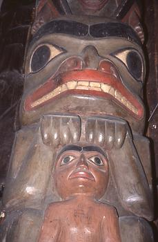 The most impressive timber culture prevailed on the north western coast: Totem poles as a sign of a clan and its spiritual protector